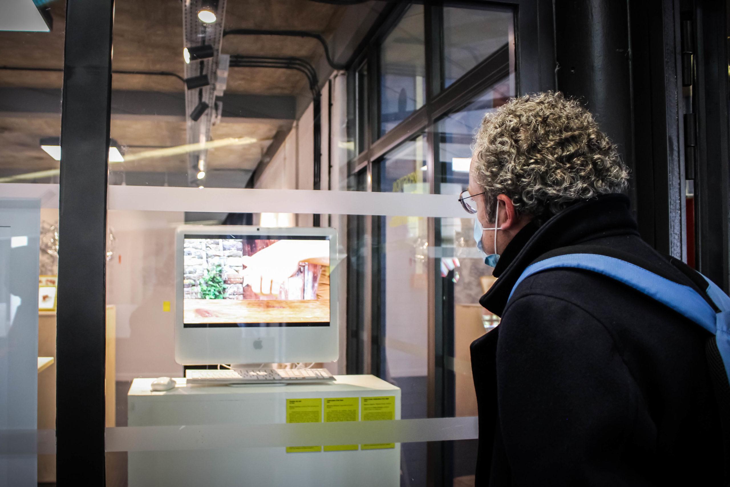 """Vidéos : """"Tombée du soir"""" - Rosane Lebreton, """"Fabrication d'un banc"""" - Sébastien Frémont, """"Tutos d'une réalisation d'un objet"""" - Baptiste Auguste & Thomas Levant - Exposition """"Souvenirs Déconfinés"""" ENSAPL"""